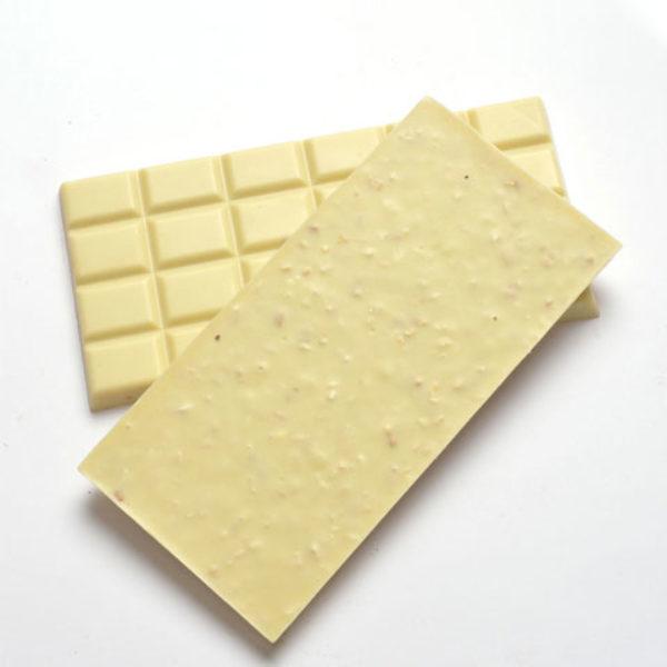 Chocolat-blanc-–-Amandes-hachées