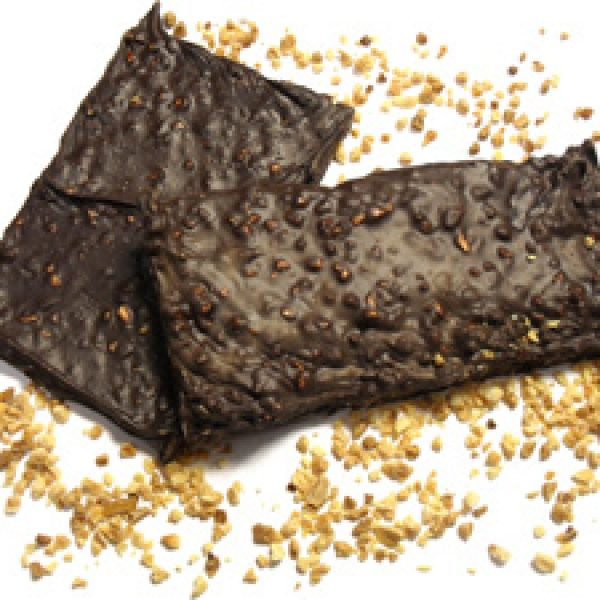 Chocolat noir aux amandes hachées
